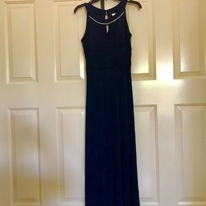 Navy sleeveless keyhole gown